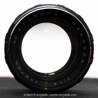 f/1.4: Maximum aperture